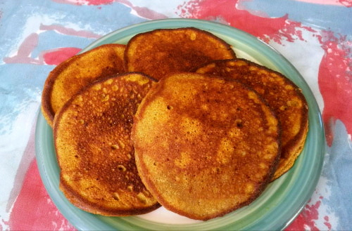 Protein Packed Pumpkin Pie Pancakes